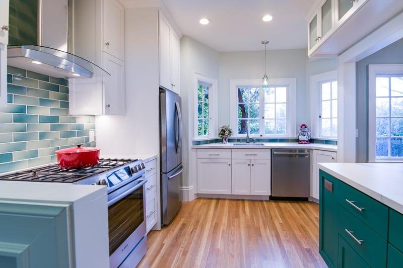2696 Cedar-kitchen 2