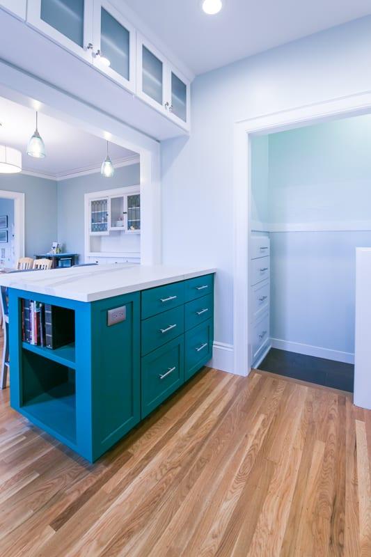 2696 Cedar-kitchen